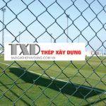 lưới b40 làm hàng rào sân bóng